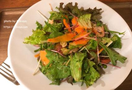 糖質制限ランチ!表参道駅ナカにある、サラダ専門店、Tossed Salad(トスサラダ)に行ってきました!